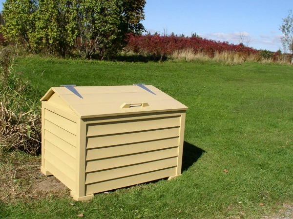 new stonehaven roadside garbage box