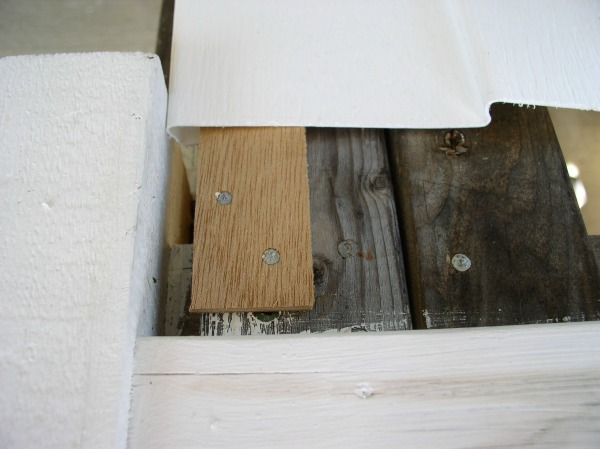 close-up-of-siding-capture-strip