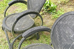 Bike tire chairs CC BY-SA 2.0 By Christmas wa K