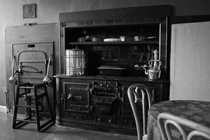 Kitchen Range at Wedderburn Castle - Scotland (CC BY-SA 2.0) by ammgramm