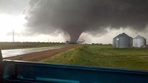 Oscela-Polk-tornado-NOAA wikimedia image