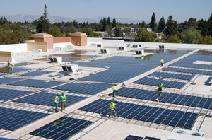 Rooftop Solar installation on a Walmart - (CC BY 2.0) by Walmart Stores