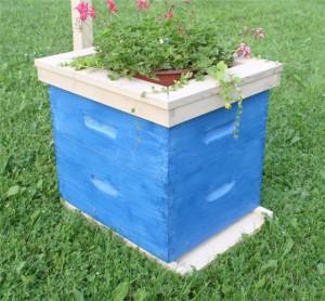 bee-hive-planter