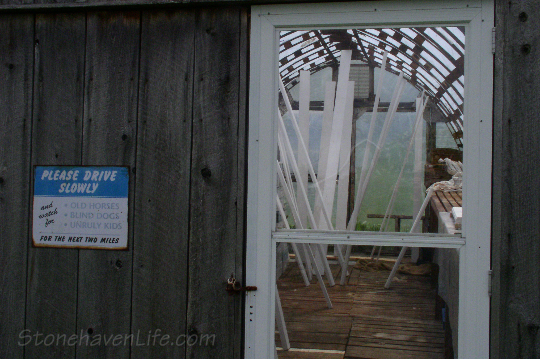 stonehaven-greenhouse-door-sign