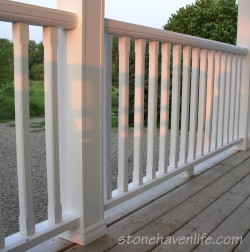 traditional-style-porch-railings-stonehavenlife